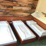 Standard Dreibettzimmer mit Dusche