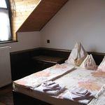Apartament standard cu grup sanitar cu 2 camere pentru 5 pers.