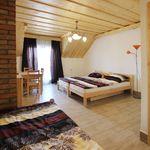 Hegyekre néző erkélyes négyágyas szoba (pótágyazható)