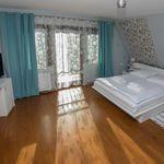 Apartament cu balcon cu vedere spre munte cu 1 camera pentru 2 pers.