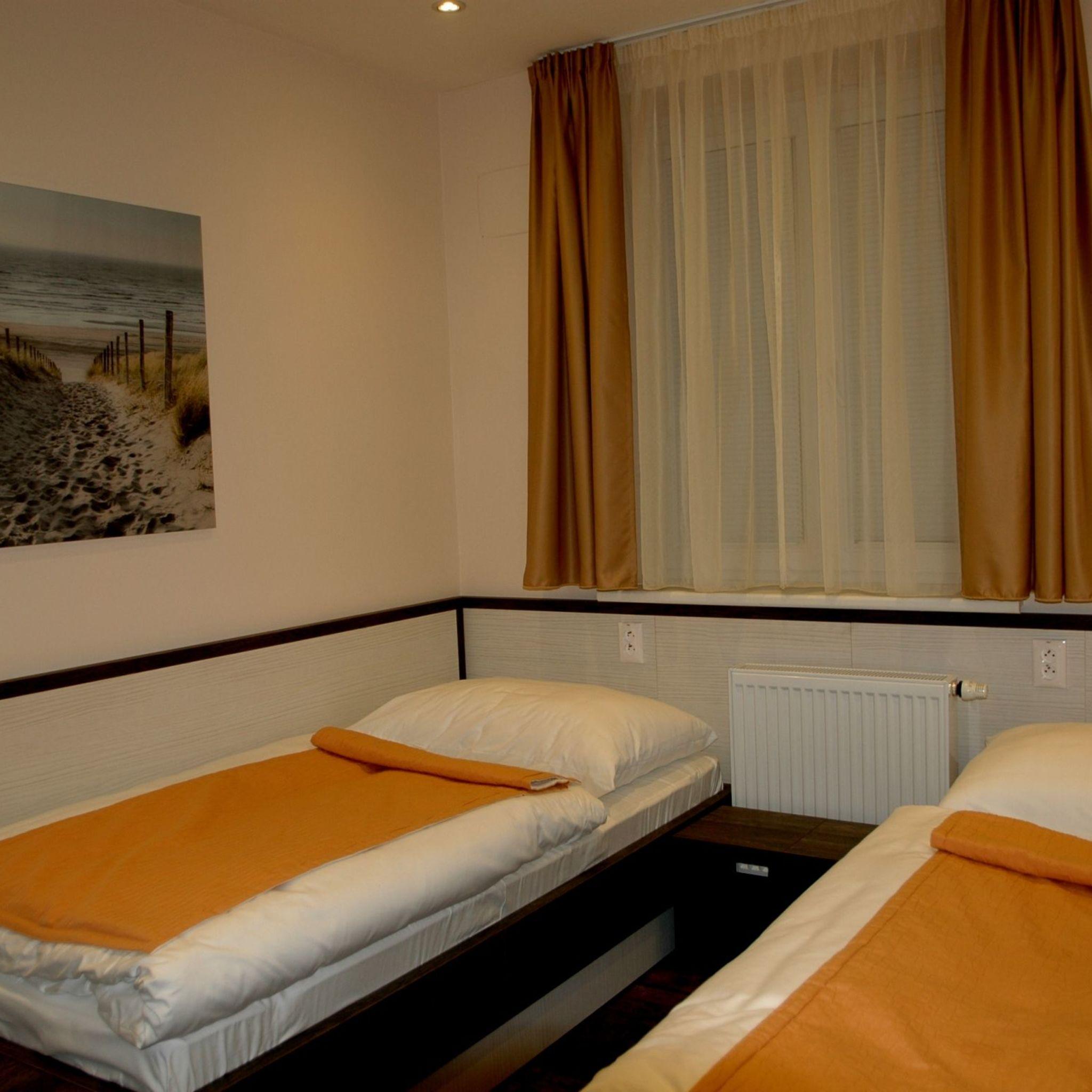 apartm ny viktor bratislava. Black Bedroom Furniture Sets. Home Design Ideas