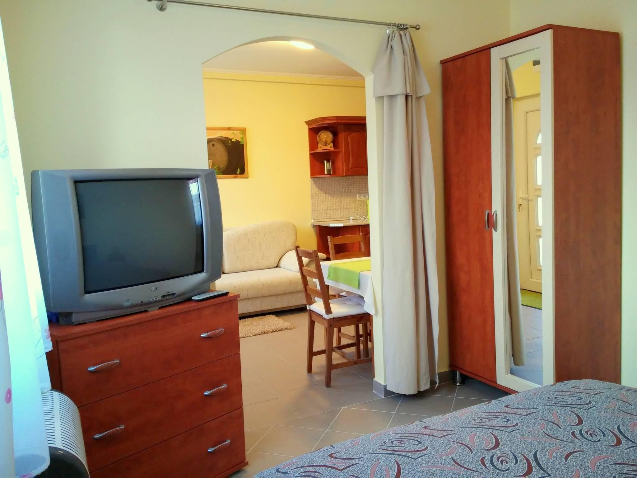 Kitti Apartman Bogács  Hotelguru ro
