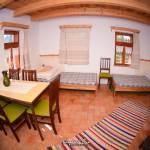 Apartmán s vlastnou kuchyňou pre 7 os. s 3 spálňami s výhľadom do záhrady