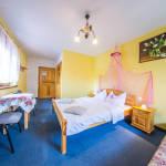 Kerthelyiséggel Komfort háromágyas szoba