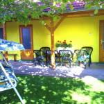 Földszintes kerthelyiséggel 2 fős apartman 1 hálótérrel (pótágyazható)