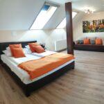 Emeleti Deluxe 2 fős apartman 1 hálótérrel (pótágyazható)