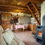Casa de weekend romantica cu panorama pentru 4 pers. (se inchirieaza doar integral)