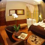 Ground Floor Romantic 1-Room Suite for 2 Persons