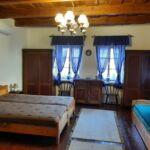 Vierbettzimmer Parterre mit Aussicht auf den Hof (Zusatzbett möglich)