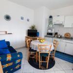 Apartman s klimatizací pro 4 os. se 2 ložnicemi s výhled do zahrady