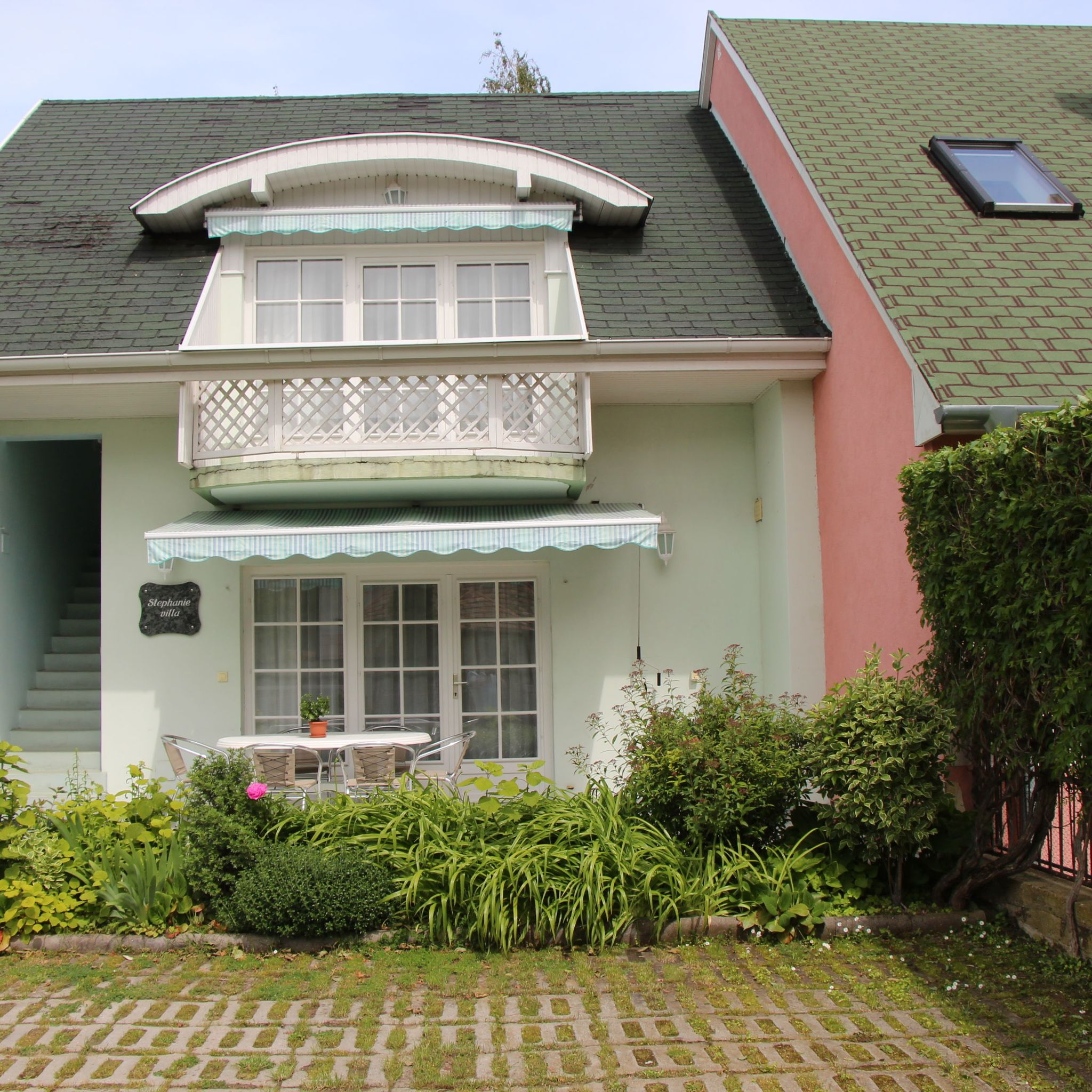 Aranyparti villa stephanie apartmanok si fok for Villas steffany