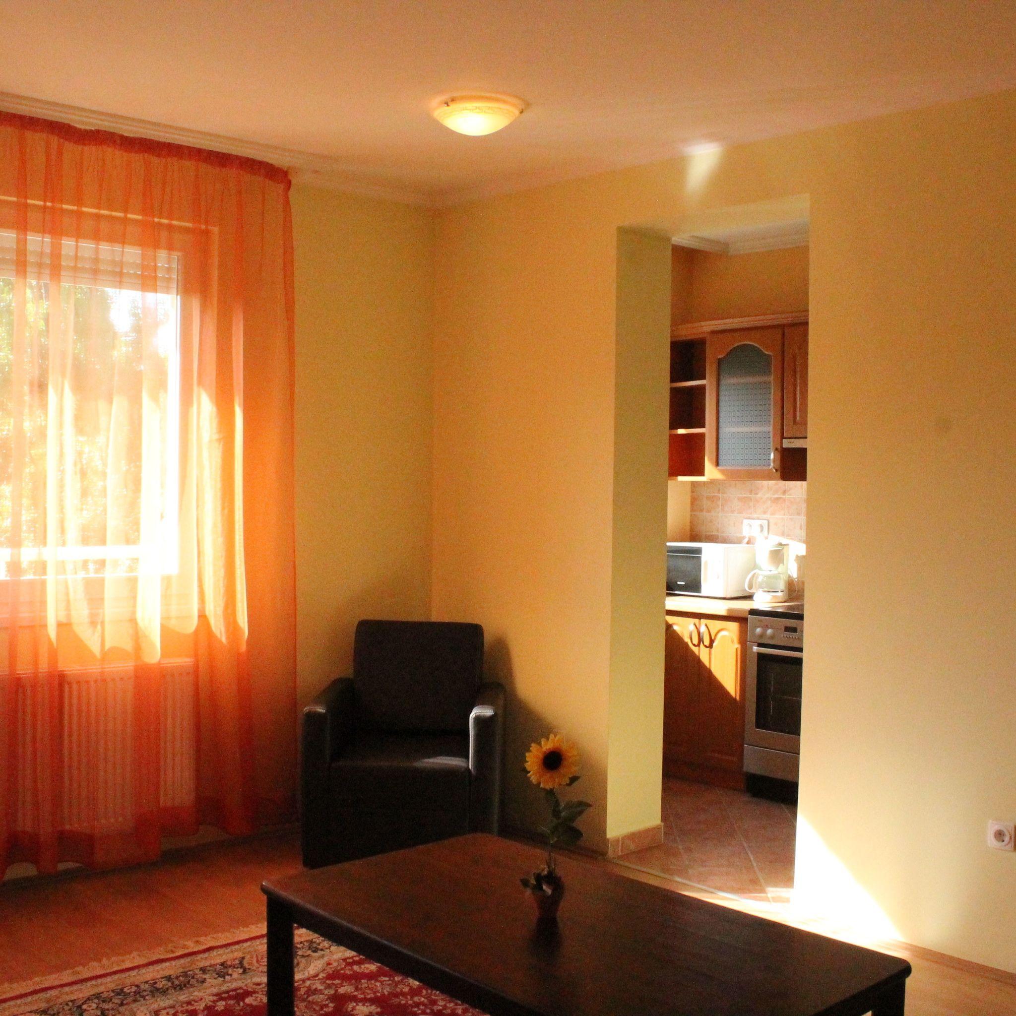 Kitti Apartmanok Hajdúszoboszló  Hotelguru ro