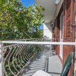 Apartament cu aer conditionat cu balcon cu 3 camere pentru 8 pers.