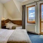 Camera tripla cu aer conditionat cu vedere spre munte (se poate solicita pat suplimentar)