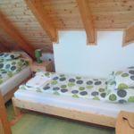 Panorámás erkélyes kétágyas szoba