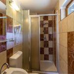 Emeleti fürdőszobás négyágyas szoba