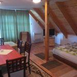 Tóra néző erkélyes hatágyas szoba (pótágyazható)