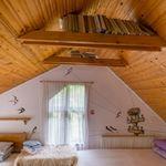 Folyóra néző tetőtéri hatágyas szoba
