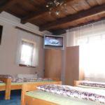 Városra néző földszinti négyágyas szoba (pótágyazható)