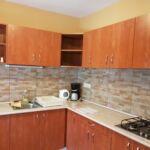 Apartament toata casa cu aer conditionat cu 5 camere pentru 12 pers.