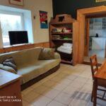 Apartament toata casa cu vedere spre gradina cu 2 camere pentru 5 pers. (se poate solicita pat suplimentar)