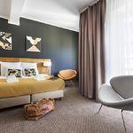 Kertre néző emeleti franciaágyas szoba