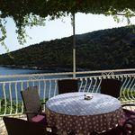 Apartman s terasou pro 6 os. se 3 ložnicemi s výhledem na moře