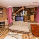 Apartament toata casa cu aer conditionat cu 2 camere pentru 5 pers.