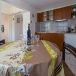 Apartament 4-osobowy z tarasem z widokiem na morze z 2 pomieszczeniami sypialnianymi
