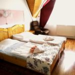 Emeleti földszinti kétágyas szoba (pótágyazható)