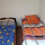 Tetőtéri közös fürdőszobás egyágyas szoba