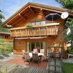 Deluxe Mountain View Holiday Home for 10 Persons