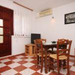 Apartman s klimatizací s terasou pro 4 os. s 1 ložnicí A-6618-b