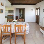 Apartament cu aer conditionat cu vedere spre mare cu 2 camere pentru 5 pers. A-13135-b