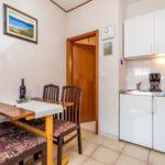 Apartament cu terasa cu 2 camere pentru 6 pers. A-7724-c