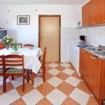 Apartament 5-osobowy z klimatyzacją z 2 pomieszczeniami sypialnianymi A-6160-e