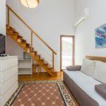 Apartman s klimatizací s terasou pro 5 os. se 3 ložnicemi A-5355-d