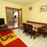 Apartman s klimatizací s terasou pro 6 os. se 2 ložnicemi A-2398-a