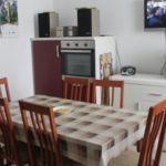 Apartament cu aer conditionat cu terasa cu 3 camere pentru 9 pers. K-12078