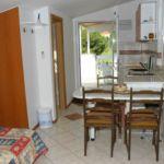 Apartman s klimatizací s terasou pro 3 os. s 1 ložnicí AS-2663-a