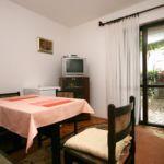 Apartament cu aer conditionat cu terasa cu 2 camere pentru 5 pers. A-5494-c