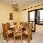 Apartament cu aer conditionat cu vedere spre mare cu 4 camere pentru 10 pers. A-8663-a