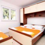 Apartmán s klimatizáciou s terasou pre 4 os. s 1 spálňou A-6603-a