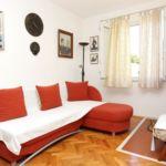 Apartament 6-osobowy z klimatyzacją z tarasem z 2 pomieszczeniami sypialnianymi A-10112-a