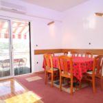 Apartament cu aer conditionat cu terasa cu 4 camere pentru 10 pers. A-5264-a