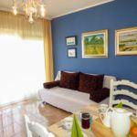 Apartament cu aer conditionat cu vedere spre mare cu 2 camere pentru 5 pers. A-2049-b