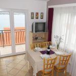 Apartament cu aer conditionat cu vedere spre mare cu 2 camere pentru 4 pers. A-2049-d