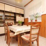 Apartament cu aer conditionat cu vedere spre mare cu 3 camere pentru 7 pers. A-6670-b