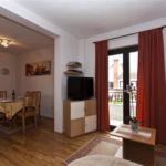 Apartman s klimatizací s terasou pro 5 os. se 3 ložnicemi A-12656-a