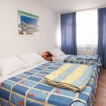 Apartman s klimatizací s terasou pro 3 os. s 1 ložnicí AS-3007-a
